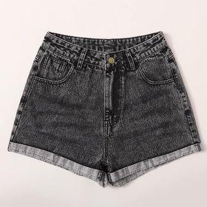 SHEIN Curve + Plus High Waist Denim Shorts Black
